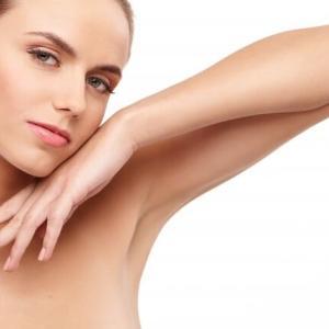夏季お勧め治療:腋・ヒジ上・ヒジ下腕全体・手背・手指の脱毛