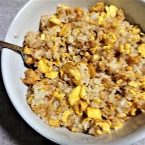 エテが初めて作った卵チャーハン