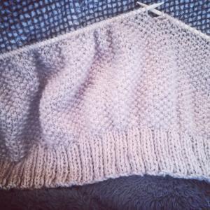 編み編み…