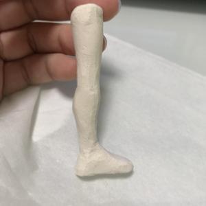 石粉粘土、カッターで削る