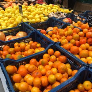 【ウクライナ】スーパーで果物買ってみた!
