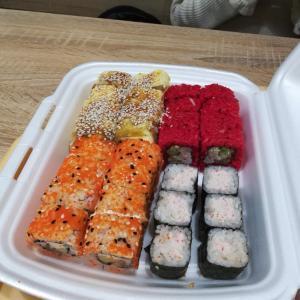 【ウクライナ】ウクライナの寿司は日本の寿司とは違う!