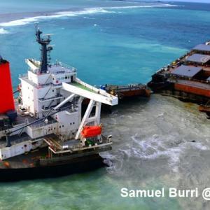 モーリシャス座礁事故 続報 船長と副船長逮捕へ