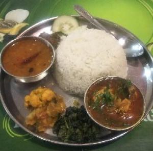 「ネパールの小話2」~ ネパールの食 ~