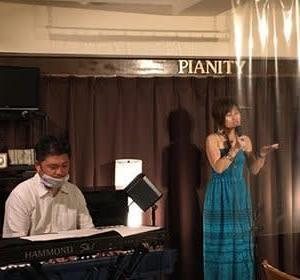 7月9日(木)の午後は、宇田川よしの(vo)さんのライブでした!