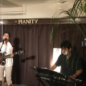 9月17日(木)の夜は、細木夏美(vo,gt,pf)さんのライブでした!