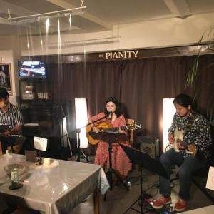 9月19日(土)の夜は、伊部百合子(vo,gt)さんのライブでした!