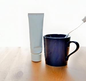 歯のホワイトニングで研磨剤が配合されていない歯磨き粉のメリットとデメリットとは?