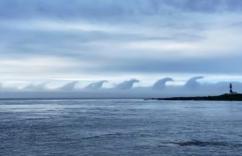 ゴジラの行進? 不気味な雲の「正体」を気象庁に聞いた