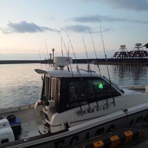 津軽海峡モンスターマグロが射程距離!釣行記。