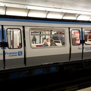 【フランス】地下鉄の乗り方を解説!分かりにくい切符の買い方も紹介