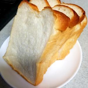 近所のパン屋さん♪