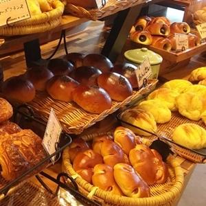 イオン乙金に100円パン屋「SUMOMO」出現!コーヒー無料で嬉しすぎる