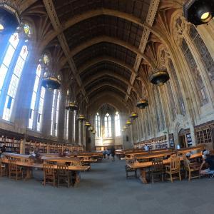 世界でもっとも美しい図書館ともっとも絵になる噴水はいかが。in シアトル