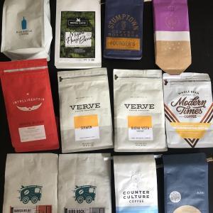 隔週でアメリカ中からコーヒー豆を仕入れる(家に)