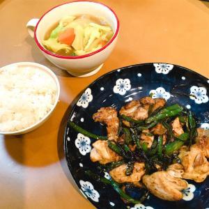 鶏肉とピーマンのオイスター炒めと、野菜たっぷりカレースープ