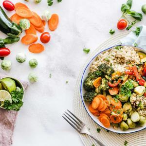 GLP-1受容体作動薬の効果を減弱する食事とは?