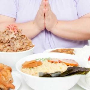 食べる事でストレス発散をする女性の特徴