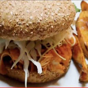 ヴィーガンすみちゃん、ジャックフルーツのサンドイッチ