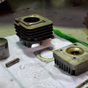 ジャイロXエンジン修理・・・