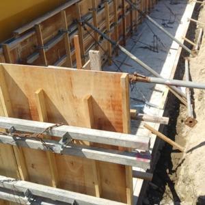 土留め擁壁工事:中間報告
