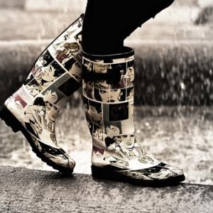 雨の日の靴の干し方と乾かすための新聞紙はある?濡れない歩き方を伝授!
