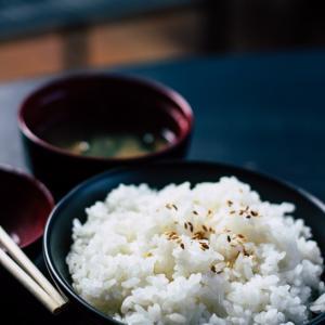 ご飯の冷凍は冷まさないのがコツ!冷凍ご飯にラップの匂いが移るの?