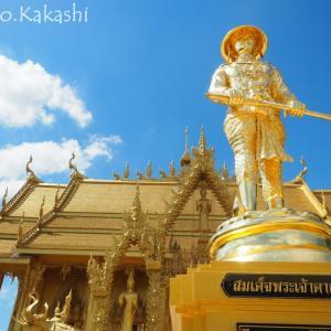 タイ版金閣寺は全てが黄金色 ワット・パクナム・ジョーロー @ チャチュンサオ