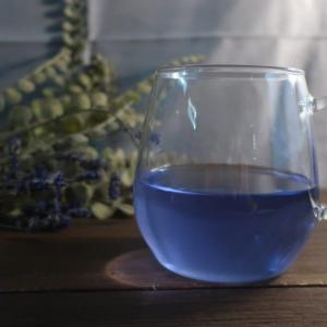 巣ごもり生活 ざわつく夜に お薬的に青いお茶