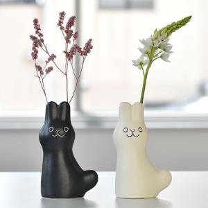 鹿児島睦さんによる、愛らしい動物の花器でほっこり♪