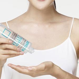 化粧水の使い方|正しく付けて、美しい肌を取り戻そう。
