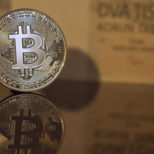『2つのビットコイン』裏と表 囁かれる基軸通貨BitcoinCash