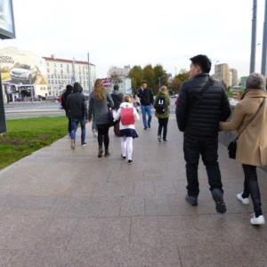 JALマイルでロシア(2018年10月) 番外編 街中でランドセル少女を見かけたよ