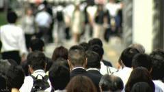 作家・江上 剛政府は今年6月、省庁横断組織をつくり、就職氷河期世代(1993〜2004年に高校、大学を卒業した者)の支援に乗り出すことを決めた。