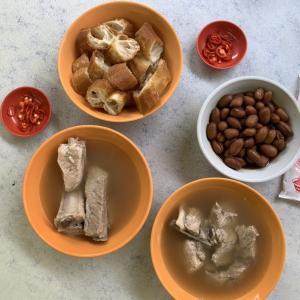 シンガポール人おすすめのバクテー専門店『Outram Park Ya Hua Rou Gu Cha』