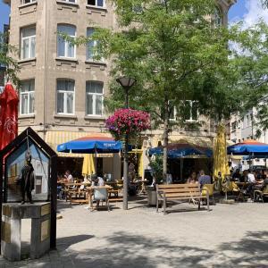 【アントワープ】おしゃれなテラスとベーグルが自慢のおすすめカフェ『Kaffeenini』