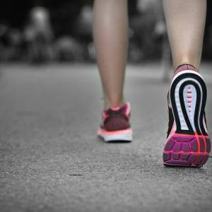 ウォーキングによるダイエット効果とは?1駅前で降りて歩いてみよう!