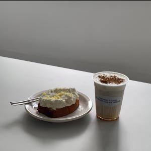 【麻浦区】ホワイトインテリアとBGMが素敵な韓国newカフェ
