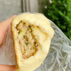 「張記韮菜水煎包」の水煎包 @西門、小南門