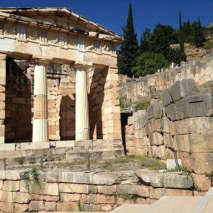アテネの宝庫 -デルフィ遺跡ー