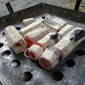 焚き火台調理で串焼きを上手に焼けるアイテムを入手!その名は「自在くし台」!