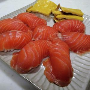 頂鱒で握り寿司を作ろう!回るお寿司のサーモンを超える物が出来るよ!いっぱい握らなければ簡単!