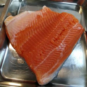 今回の頂鱒も美味しいぞ!神山水産の頂鱒はやっぱり別格!足柄キャスティングエリアで釣っても頂鱒は美味しい!