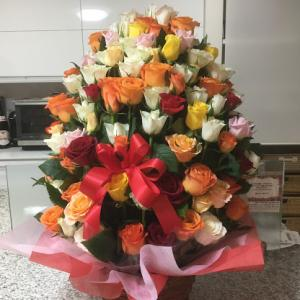 妻への感謝~バラ100本~