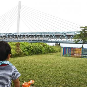 東京メトロ東西線を間近で見ながらピクニックランチ「荒川・砂町水辺公園」