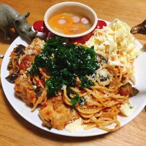 □ごろごろ鶏肉のトマトのパスタ□野菜たっぷりスープの献立
