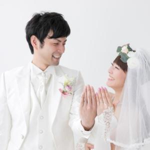 [結婚式]初めて結婚披露宴に招待されたけど何をどうすればいい? 服装、祝儀袋、祝儀の金額など…