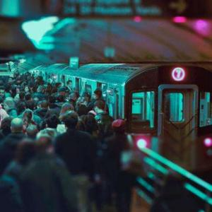 満員電車の乗り方|進行方向と平行に立つ【サクスロ!社会人編】69日目〜72日目