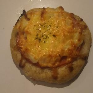 めんたいポテトのピザ