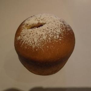 ラズベリーのクリームパン